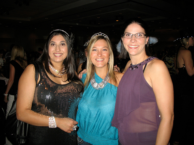 Lenka with DMs Tanya Fuller and Jash Samran at the CNTC 2011 Calgary Diamonds & Denim Party.