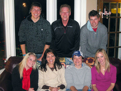 Loveless family (Top Row, Left to Right) Schayne, Greg, Nathan; (Front Row, Left to Right) Taylor, Linda, Schandra and Jessica. }}