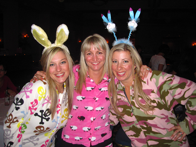 Lenka with RVPs Tova Vanderveen and Tina Edson at their Harrison Hot Springs Retreat Pajama Party.