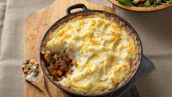 classic-beef-shepherds-pie-horizontal