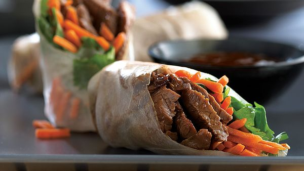 beef-spring-rolls-with-carrots-and-cilantro-horizontal