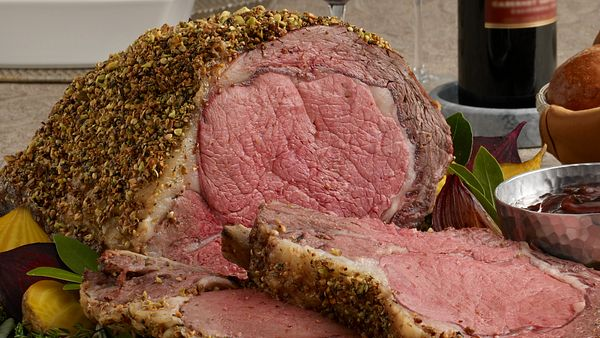 pistachio-crusted-ribeye-roast-with-holiday-wine-sauce-square