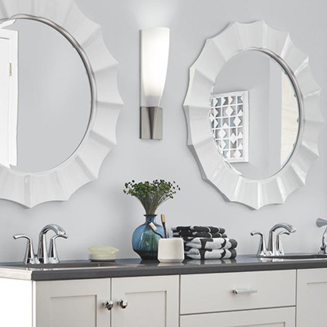Bathroom painted in BRUSHED METAL