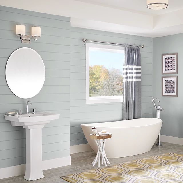 Bathroom painted in WHITE GOLD