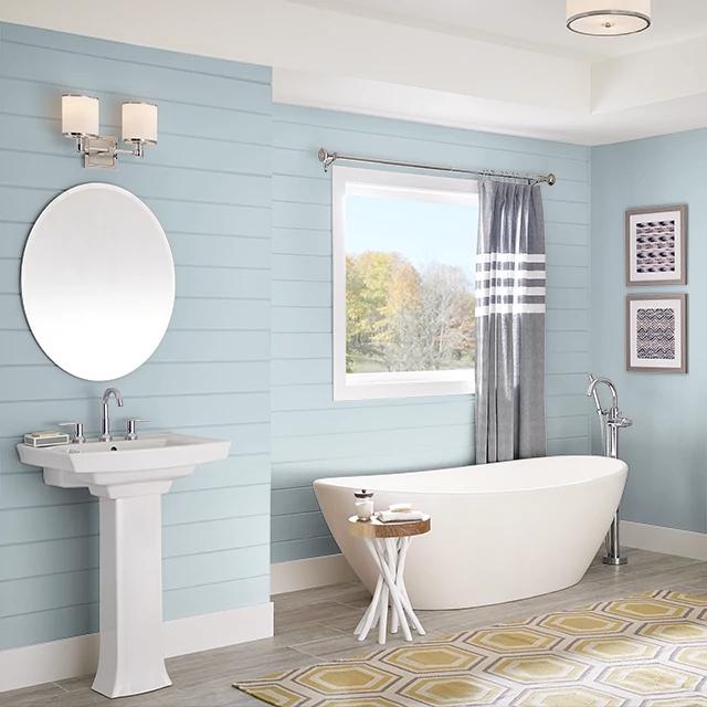 Bathroom painted in UNIQUE STEEL