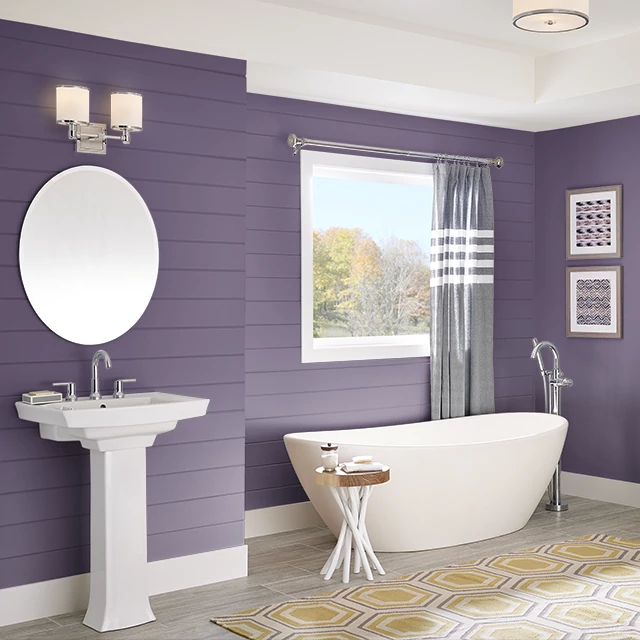Bathroom painted in RICH SARI