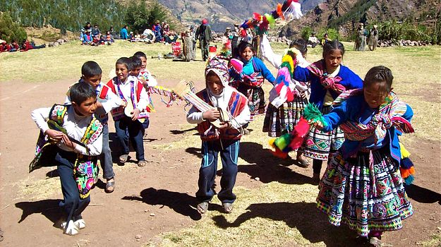 Kids in Peru with the GCELE.