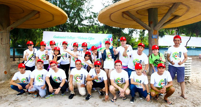 Centennial College Vietnam Students at Paint the Town Green