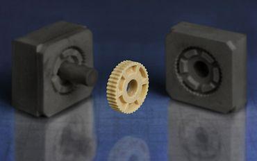 利用3D打印模具制造的小批量纬来体育注塑模具