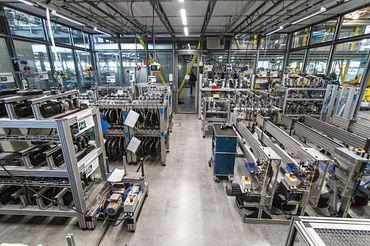 测试实验室中设置了滑动轴承专用测试平台