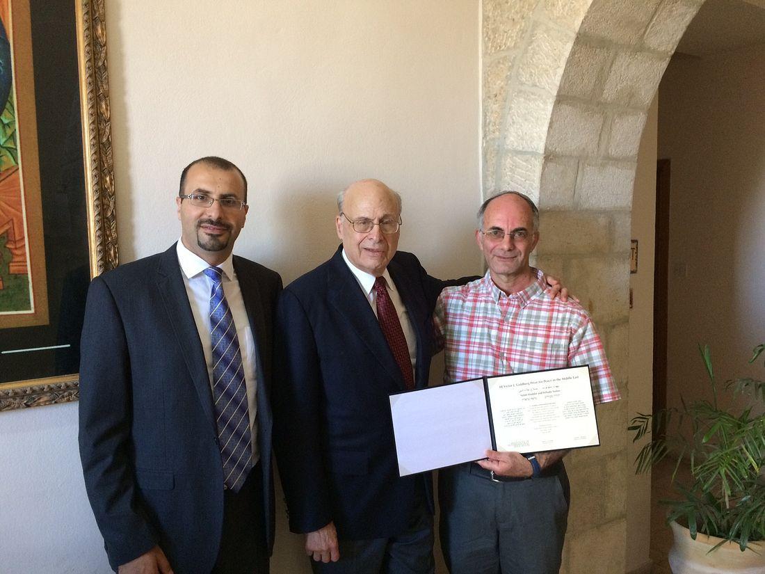 IIE-Goldberg-Prize-2015-Winners-With-Victor-Goldberg