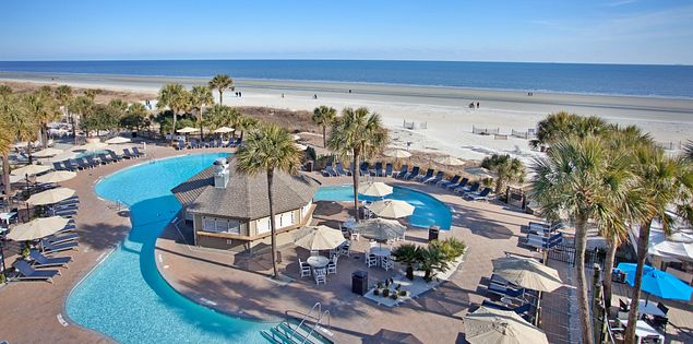 Looking for a great place to stay on Hilton Head Island? Check out the Beach House, which offers close proximity to restaurants, bars and, of course, the beach!