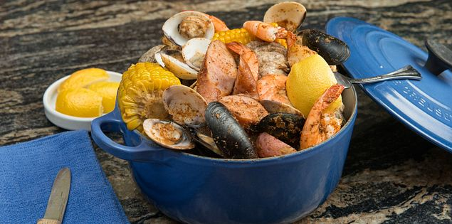 Enjoy seafood platters at restaurants on the Grand Strand.