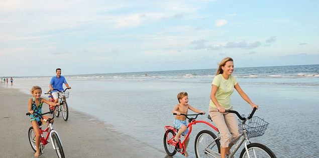 Rent bikes on Hilton Head Island for a day of family fun.