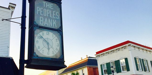 beaufort people bank clock