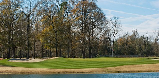 Golf courses in South Carolina are great places to play year-round.