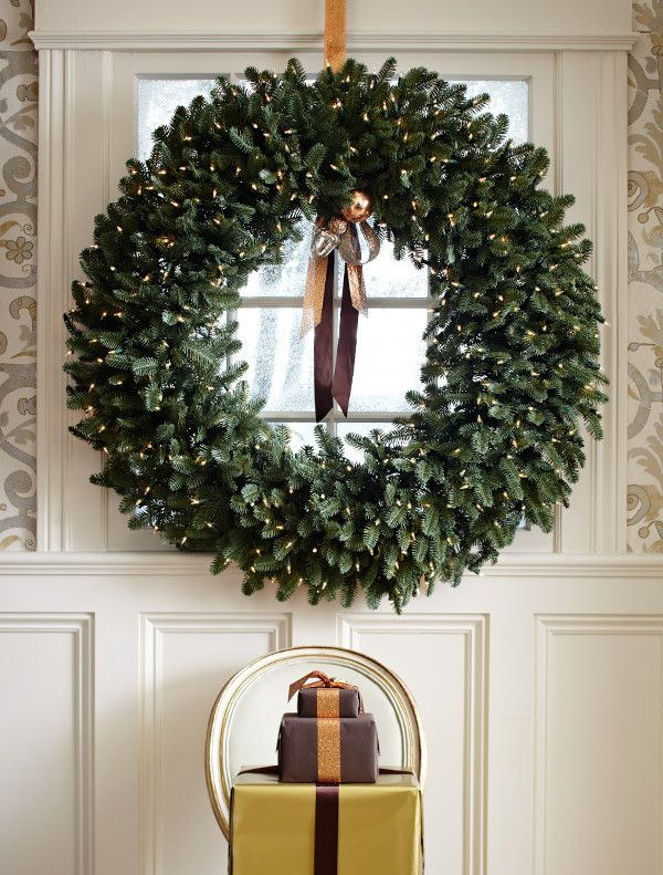 the know all guide to traditional christmas decorating what goes up and when - Inside Door Christmas Decorations