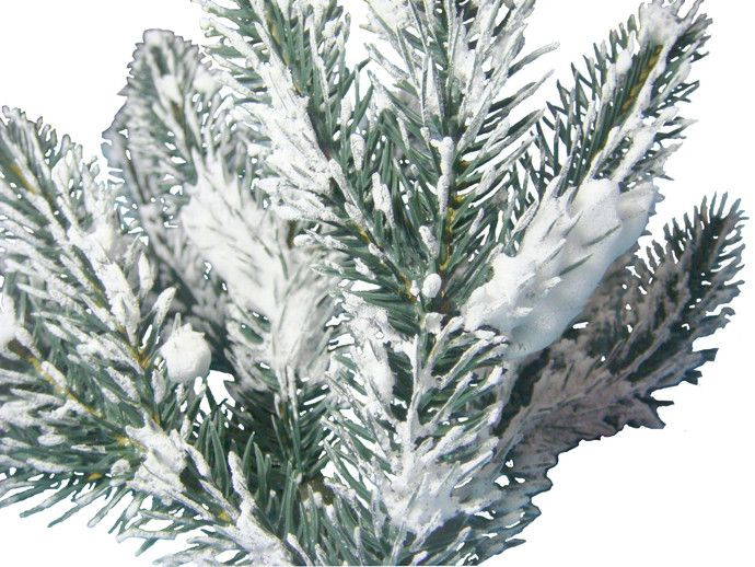 How to flock an artificial christmas tree balsam hill much like the soap based flock this method can take anywhere from 14 to 30 hours to complete mixing the shaving cream and white glue solution is a quick solutioingenieria Image collections