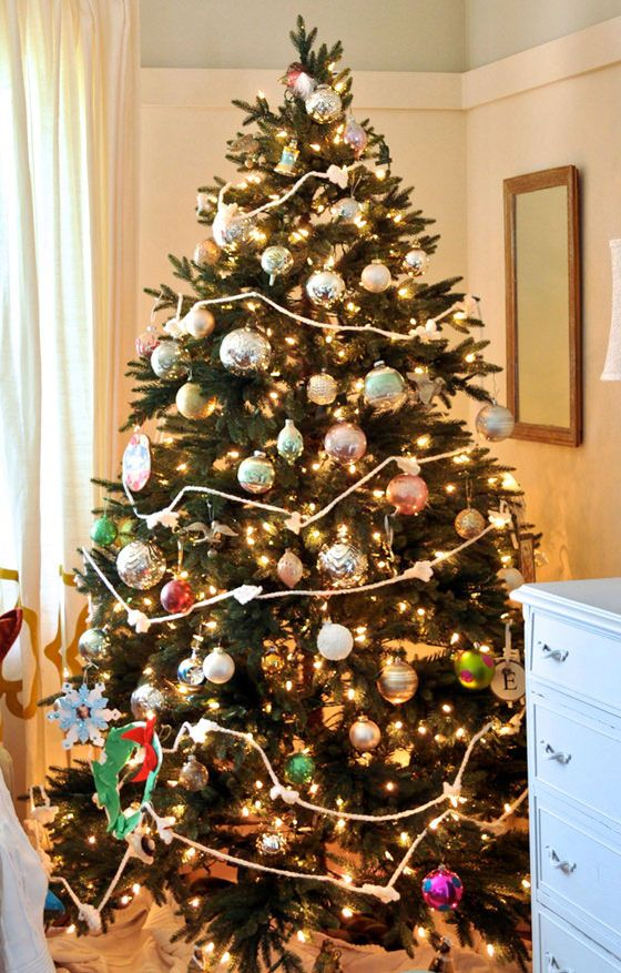 how to recreate jennifers christmas tree with colorful treasures