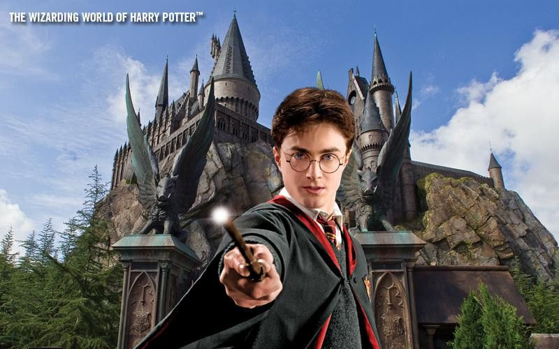 Harry Potter defending Hogwarts at the Wizarding World of Harry Potter.