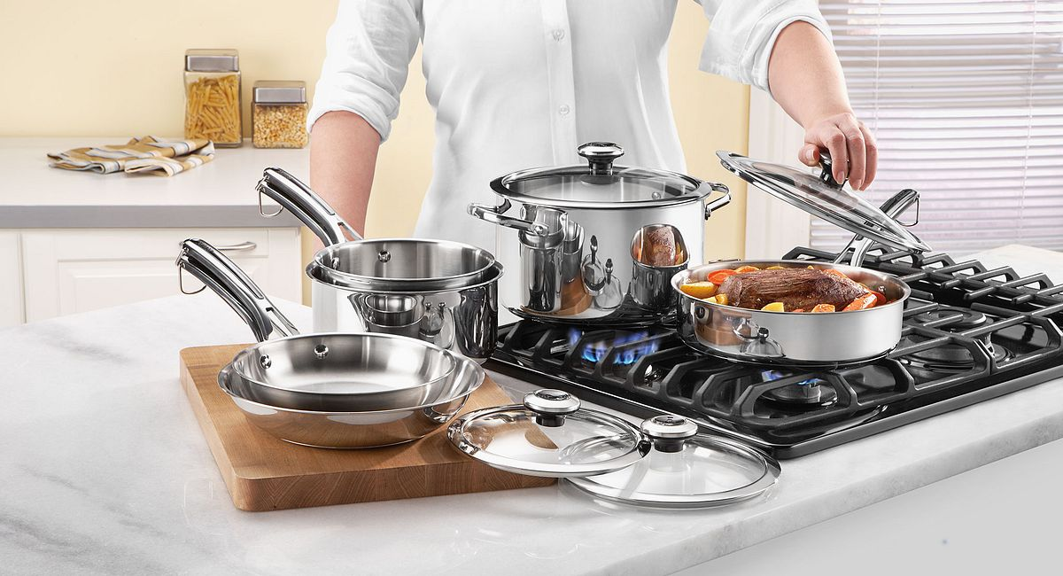 ICONIC REVERE® COOKWARE RETURNS WITH TWO LINES TO HELP NEW GENERATION COOK WITH CONFIDENCE