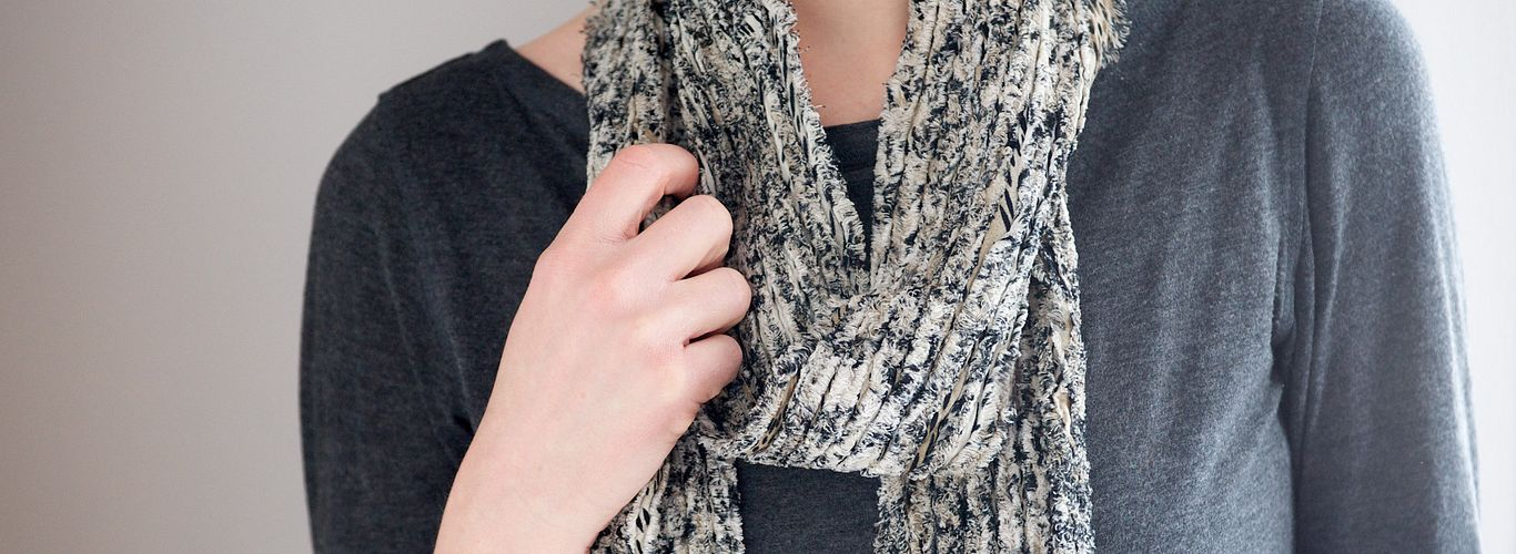 https://olfa.com/craft/chenille-scarf/