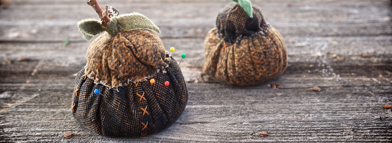 Autumn Acorn Pincushions