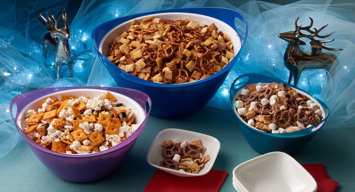 DIY Holiday Snack Mixes