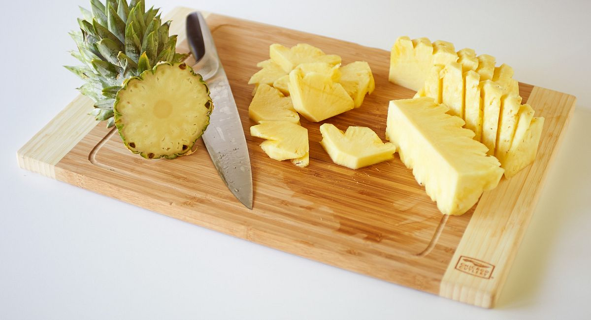 Cutting Class No. 1: How to Cut a Pineapple