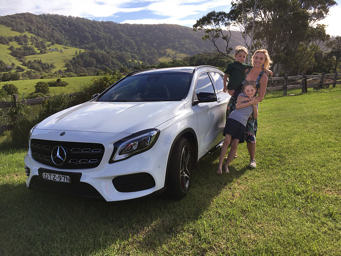 Sarah with her sons Morgan and Rhett the day she picked up her new Mercedes-Benz GLA 220D.