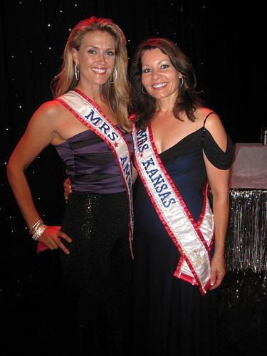 Mrs. America Andrea Robertson, and Mrs. Kansas Linda Loveless.