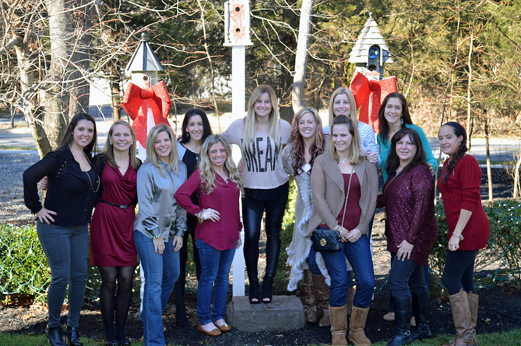 Danielle, her managers and upline celebrating the holiday season!