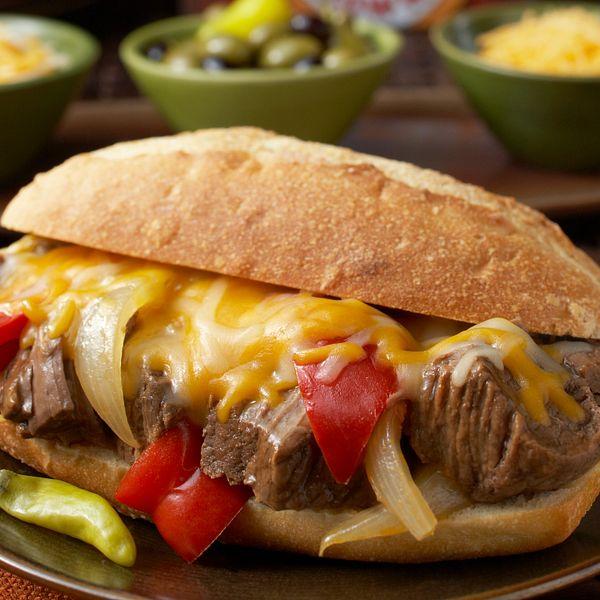 sweet-onion-pepper-beef-sandwiches-with-au-jus-vertical