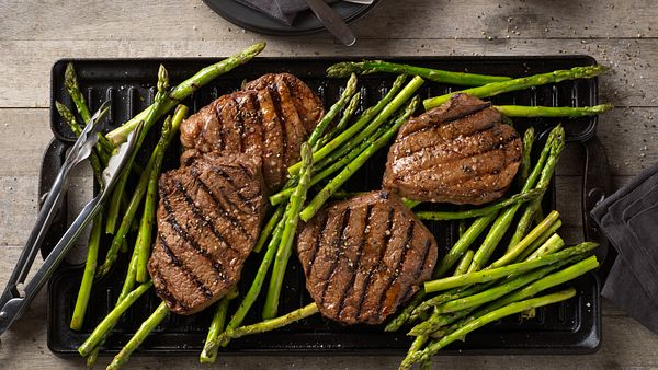 balsamic-marinated-beef-top-sirloin-steak-and-asparagus-horizontal
