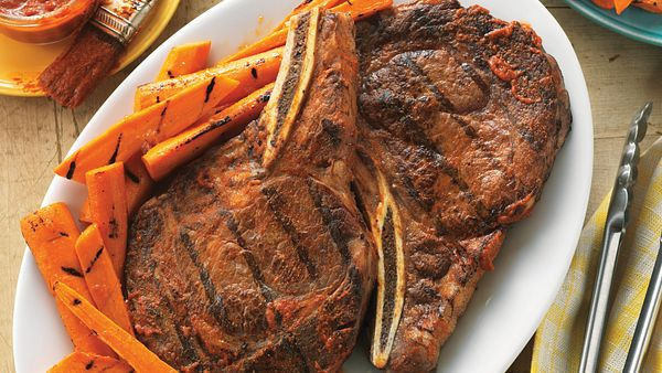 spicy-ribeyes-with-ginger-orange-grilled-carrots