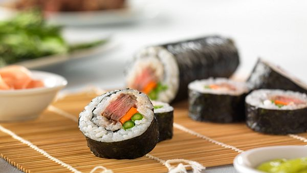 sushi-beef-roll