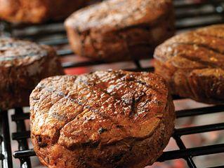 Garlic-Thyme Rub Tenderloin Steak