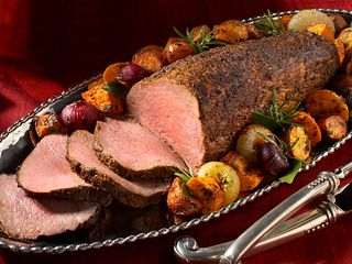 smoky-paprika-rubbed-beef-tenderloin-with-roasted-root-vegetables-horizontal.tif