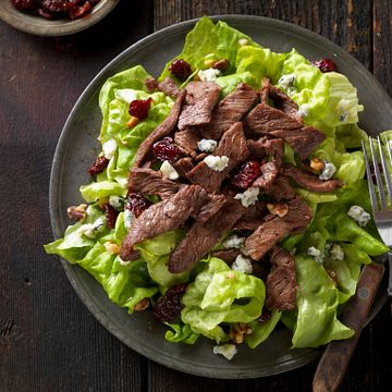 Beef Steak Salad With Dried Cherries