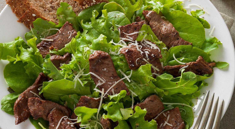 Lemon-Peppered Beef Steak Salad