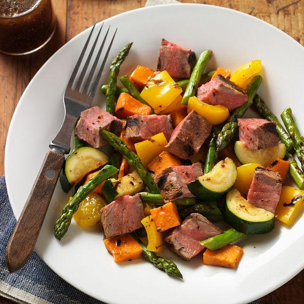 grilled-steak-vegetable-salad