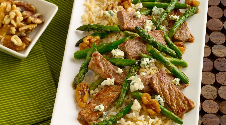 Steak, Asparagus & Walnut Stir-Fry