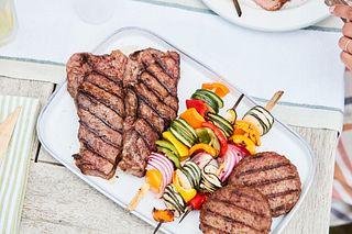 Beef Lifestyle_Platter of steaks