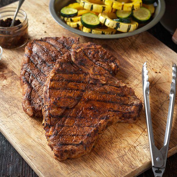 grilled-t-bone-steaks-with-bbq-rub-horizontal