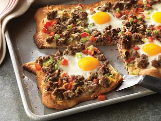 Beef Breakfast Pizza Ole