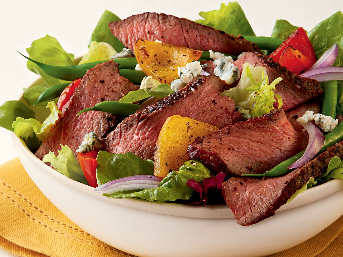 champagne-steak-salad-with-blue-cheese-horizontal