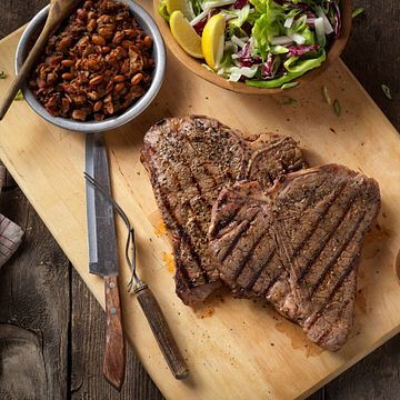 rocky-mountain-grilled-t-bone-steaks-with-charro-style-beans-square.tif