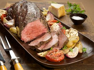 Tenderloin & Garlic-Roasted Vegetables