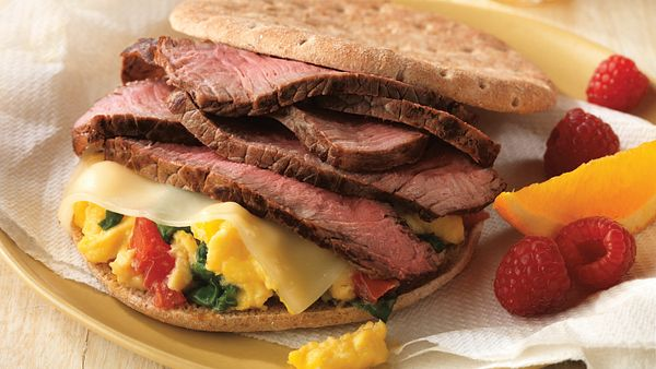 beef-and-spinach-breakfast-sandwich