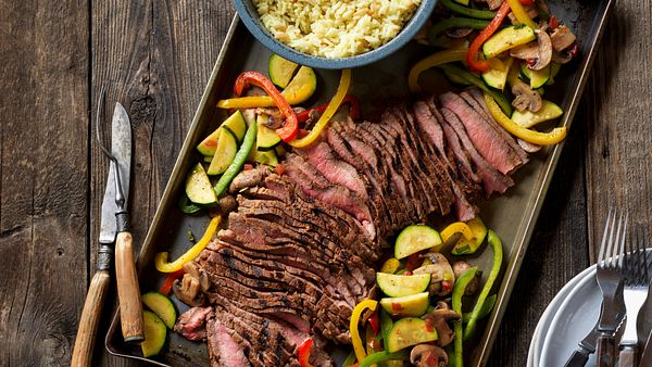 grilled-southwestern-steak-and-colorful-vegetables-horizontal